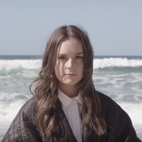 Next article: Premiere: Go to the beach with Essie Holt and the video for debut single, Underwater