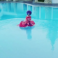 Previous article: Watch: Grimes - Flesh Without Blood/Life In A Vivid Dream