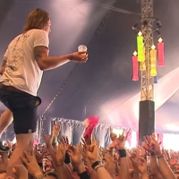 Next article: Lead Singer Catches Beer And Drinks It While Also Walking On Crowd