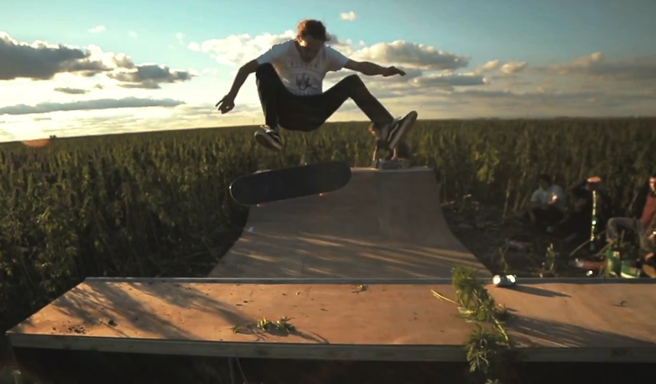 AFENDS build skate ramp in hemp field, you get jealous