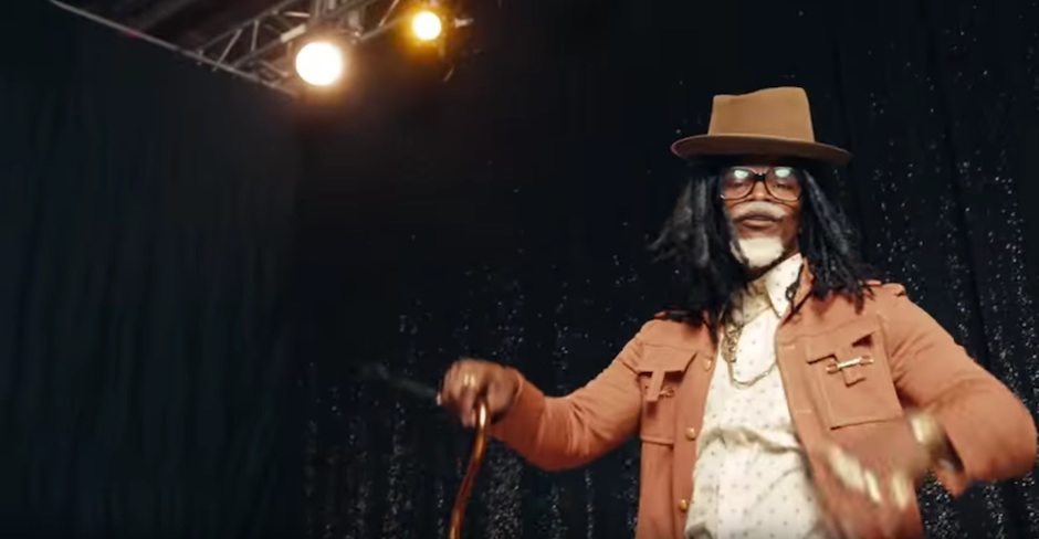 Jamie Foxx plays Future's father Past in a new commercial