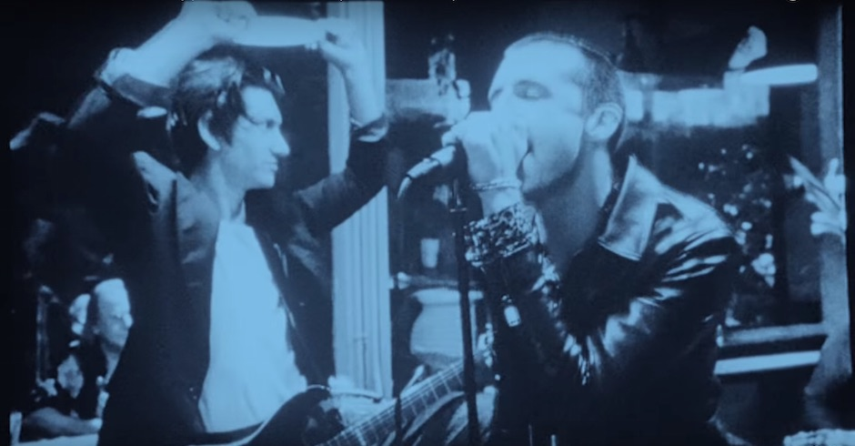 Listen: The Last Shadow Puppets - Bad Habits