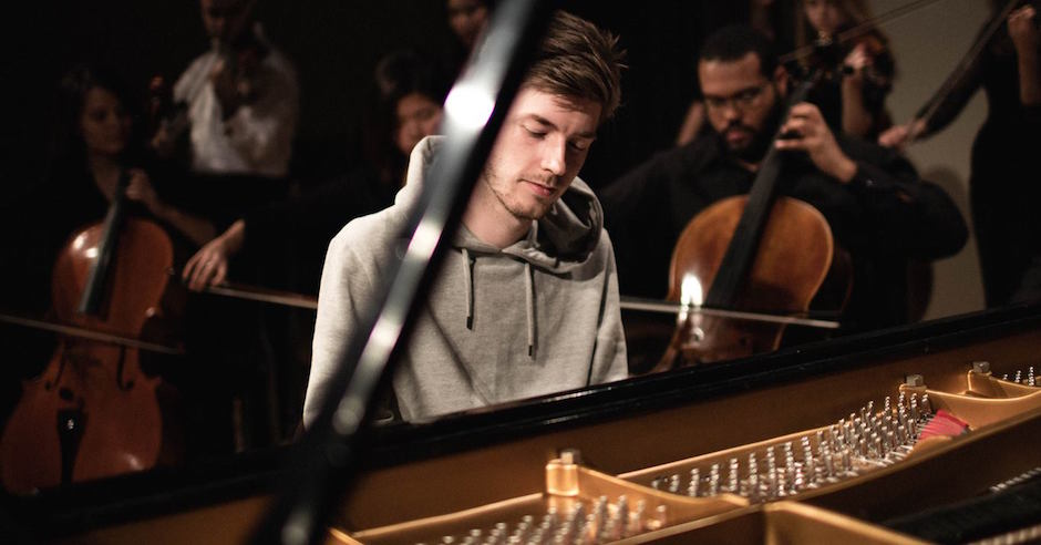 Lido salutes David Bowie with a touching cover of Space Oddity